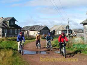 hiking holidays khibiny tundra rafting holidays umba river biking cycling white sea coast adventure holidays kola peninsula russia